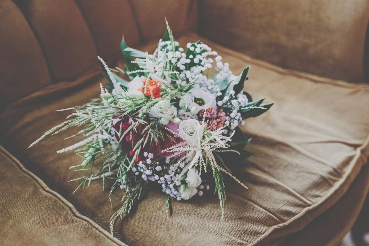 Grochowiska Szlacheckie, ślub i wesele, fotograf, bukiet, kwiaty