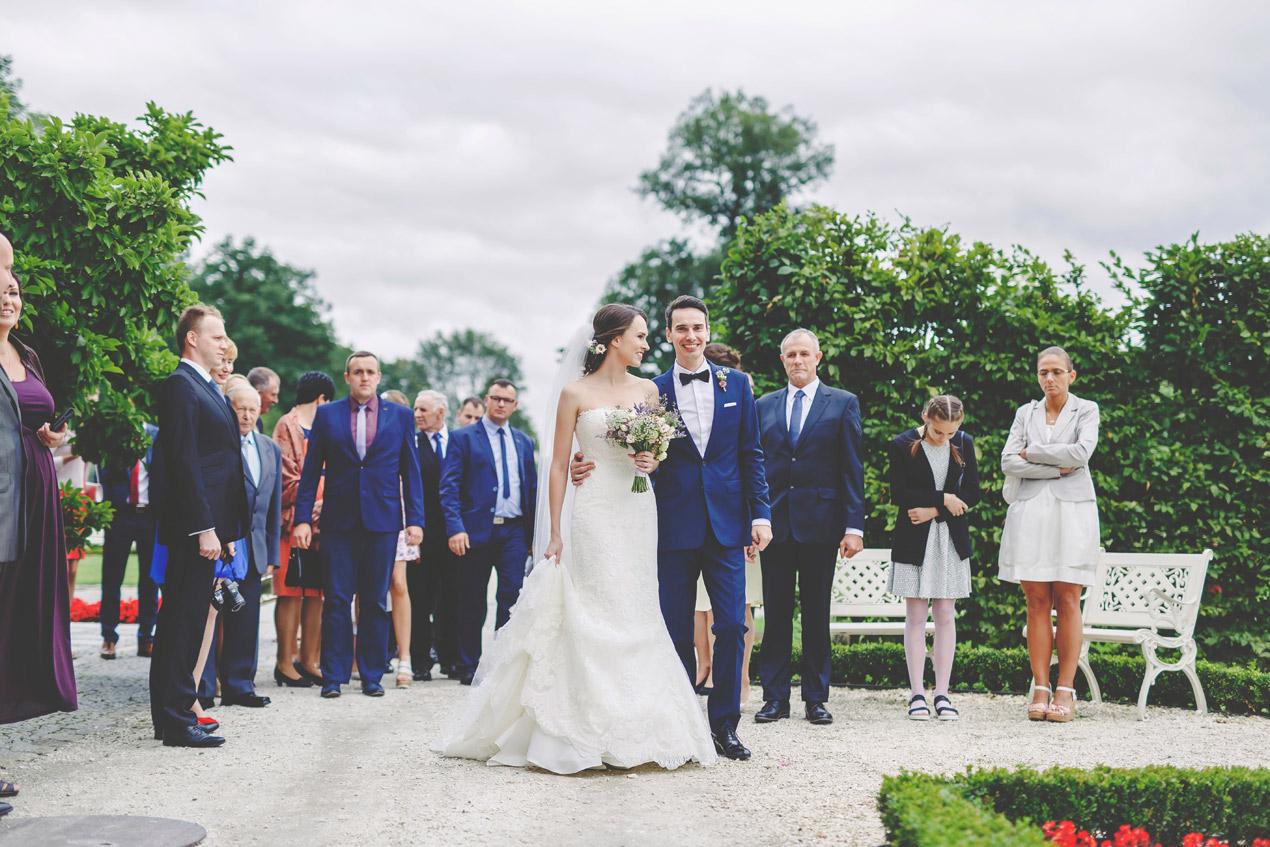 para młoda, pałac brunów, ślub w plenerze