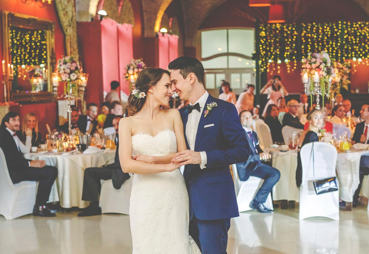 Pałac Brunów, pierwszy taniec, powozownia, wesele