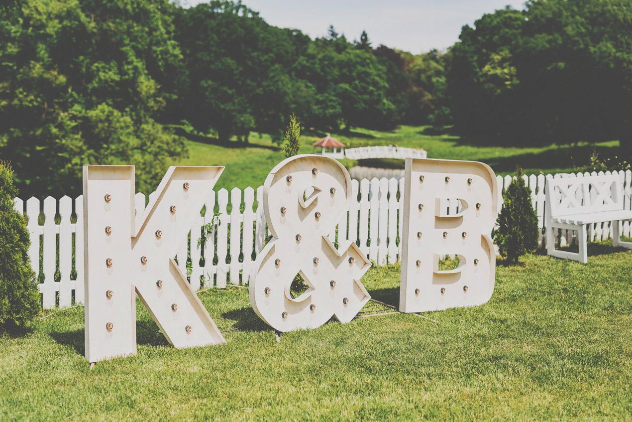 Pałac Wąsowo, ślub i wesele, podświetlane litery,