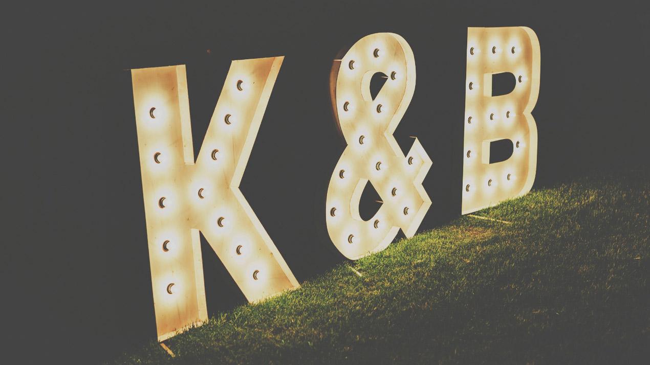 litery na wesele, podświetlane litery, litery świetlne, wesele, fotograf