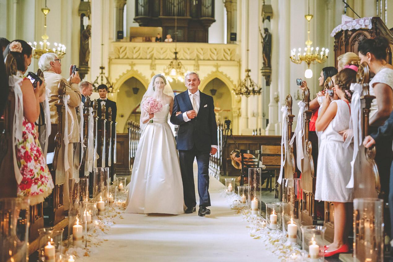 Pałac Brunów, slub, wedding, dolny slask, fotograf, lwowek slaski, kościół wniebowzięcia nmp