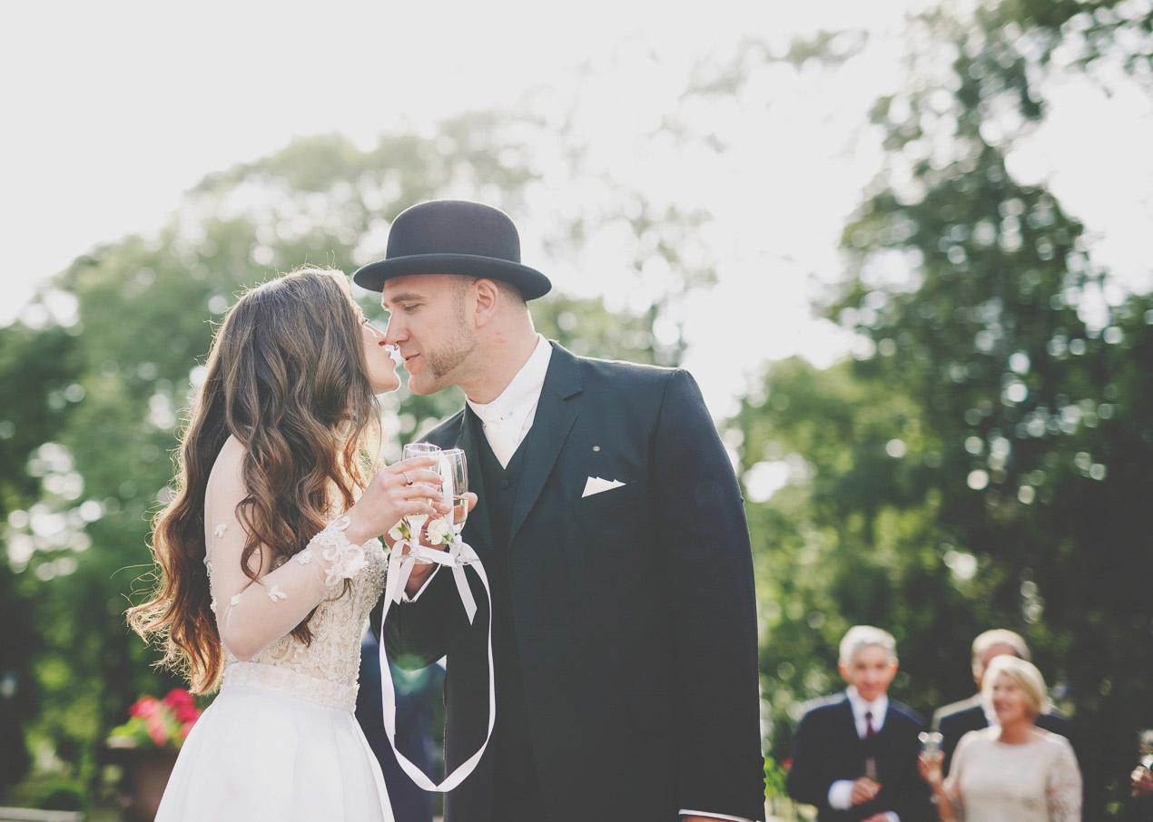 Pałac Tłokinia, ślub, wesele, pocałunek