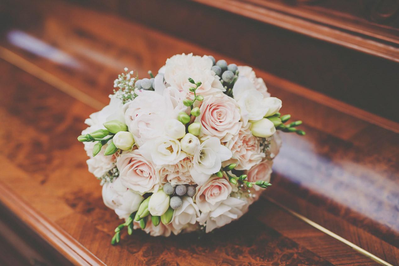 Pałac Tłokinia, ślub, wesele, bukiet