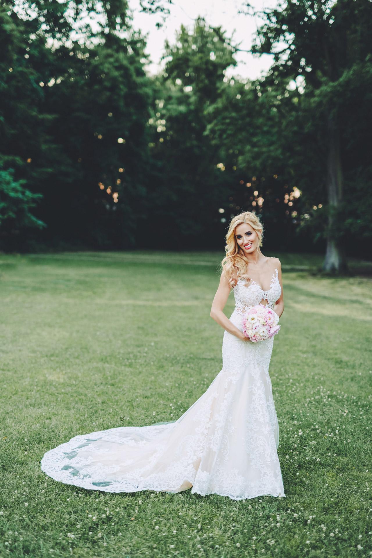 panna młoda 2021, suknia ślubna, fotografia ślubna, płac Tłokinia, ślub i wesele, fotografia i film ślubny, zdjęcia ślubne, fotograf wielkopolska
