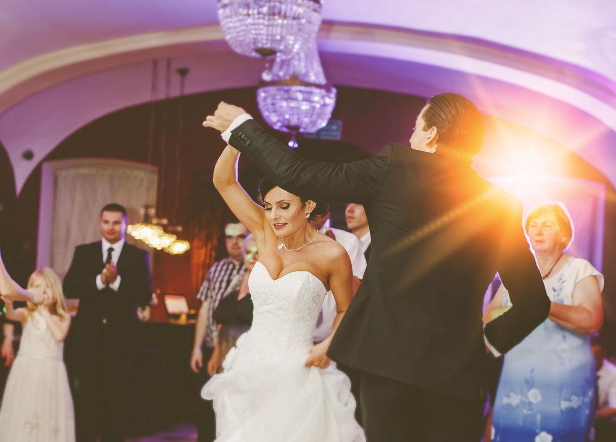 Elegante Hochzeit in Brunów 370