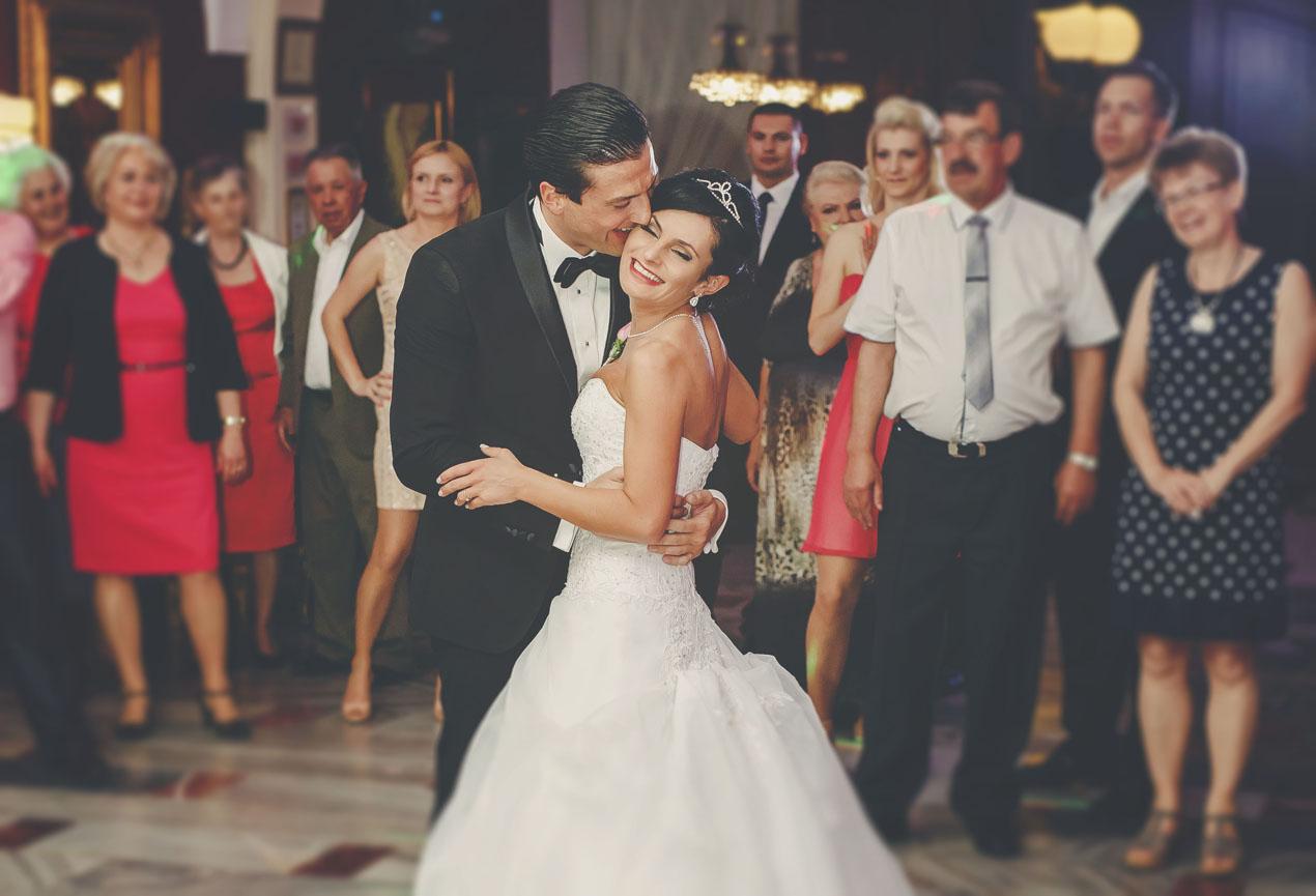 Elegante Hochzeit in Brunów 373