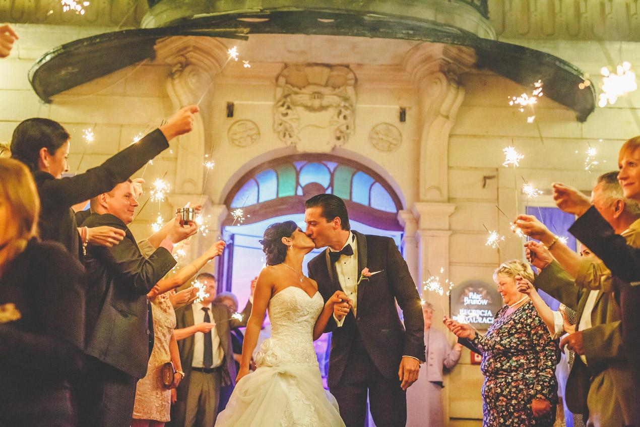 Elegante Hochzeit in Brunów 397
