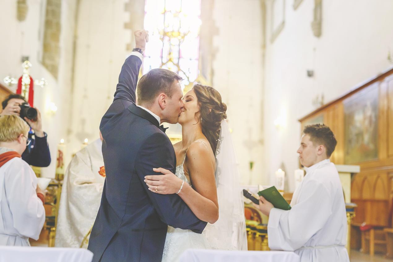 pierwszy pocałunek, ślub kościół św. Franciszka Lwówek Śląski, przysięga