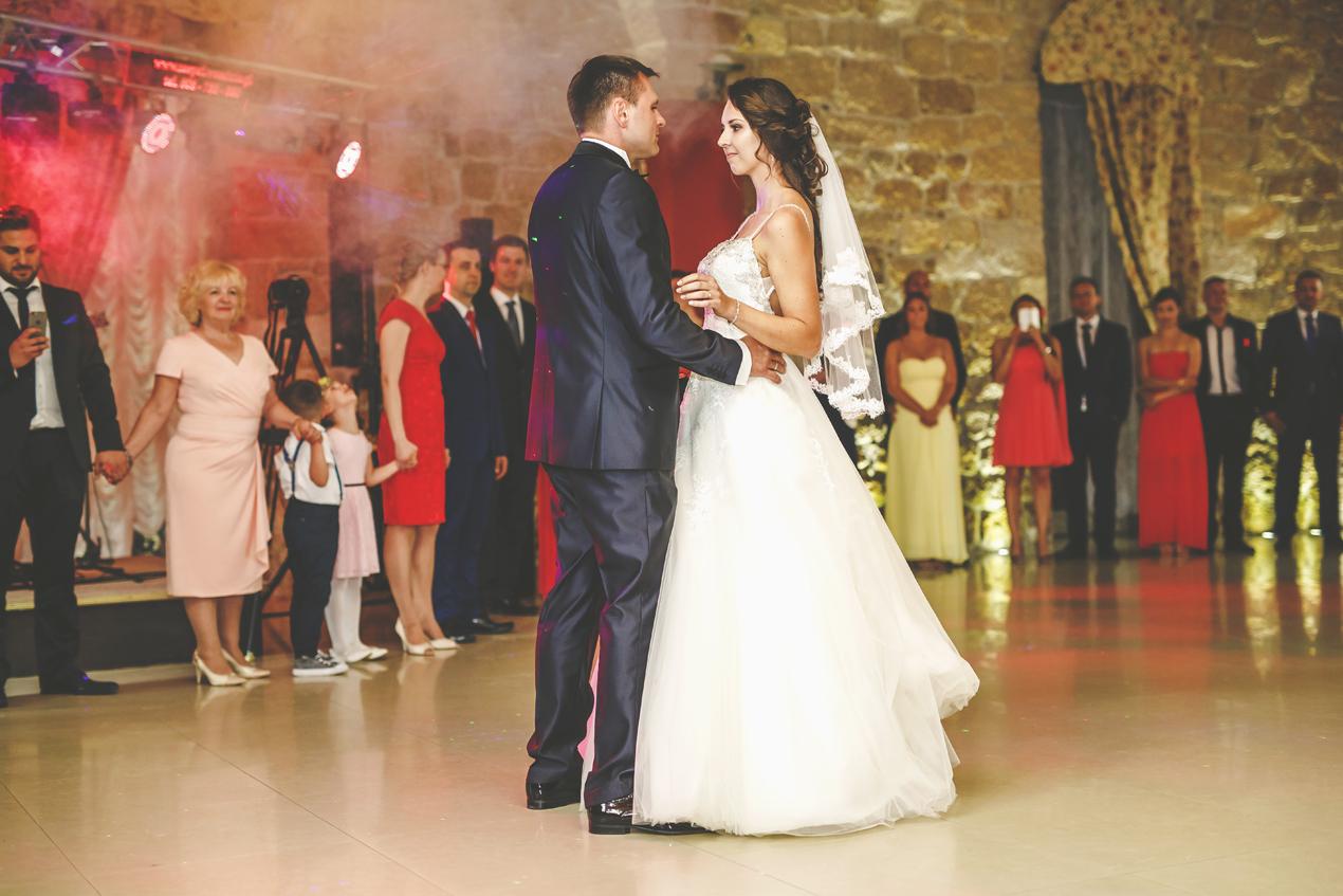 Pałac Brunów, pierwszy taniec, wesle